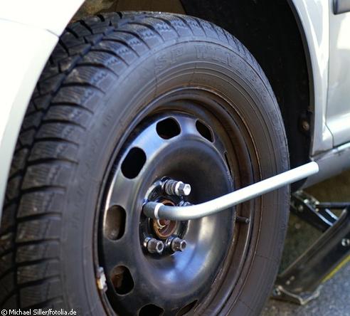 Roda do carro em manutenção