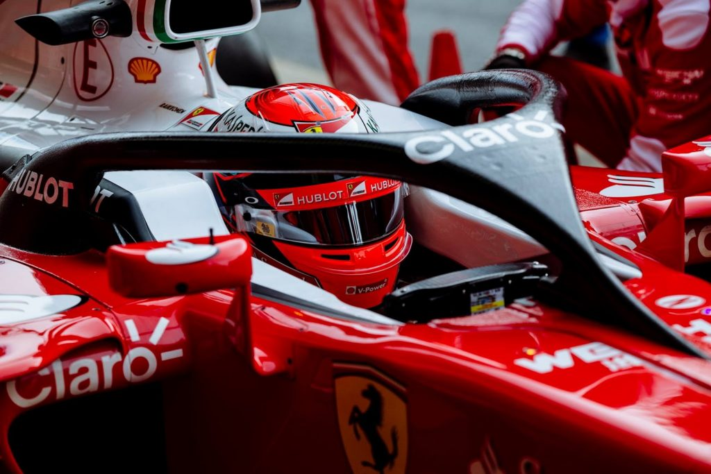 Sistema de Segurança Halo da Ferrari vermelha de Fórmula 1