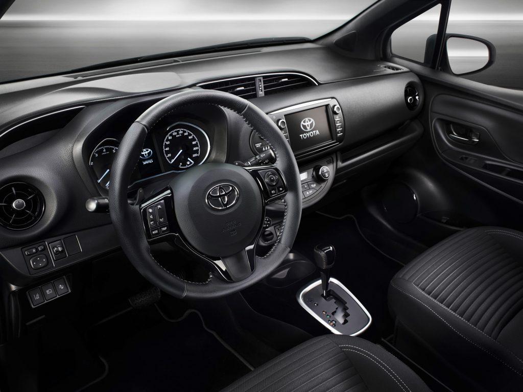 Toyota Yaris Interior é provável que essa seja a versão intermediária do carro.