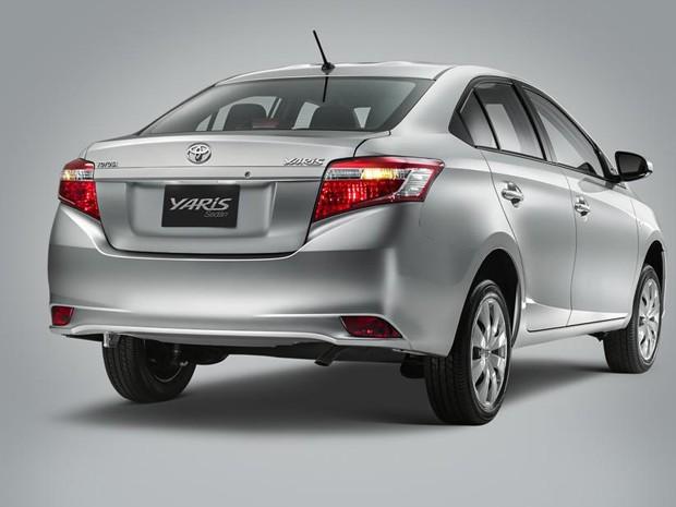 Toyota Yaris O intermediário entre o Étios e o Corolla