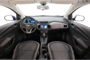 Versões do Chevrolet Onix - Onix 1.4 LT interior