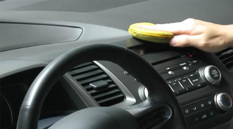Como funciona a revitalização do painel e plásticos internos do carro? Devo fazer? Confira!