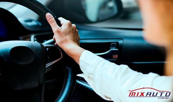 Ligar um carro automático com botão start stop pode não ser uma tarefa fácil para um novato