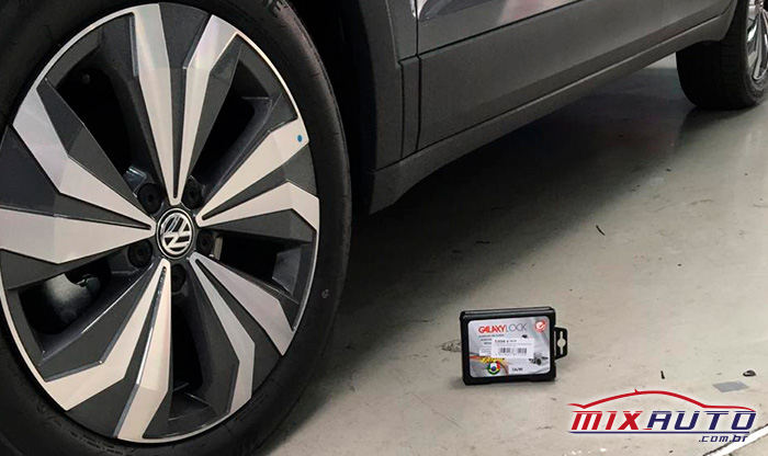 Parafuso Antifurto GalaxyLock instalado no VW T-Cross na Mix Auto Center