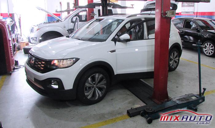 Volkswagen T-Cross 2020 na Mix Auto Center Ipiranga durante instalação de acessórios