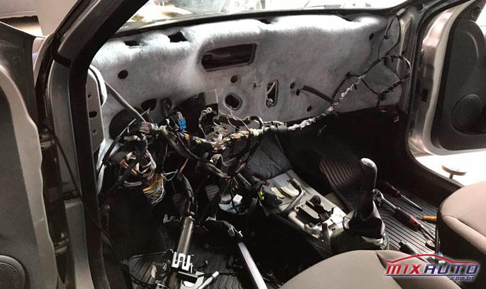 Remoção do painel para troca do evaporador do Ar Condicionado Automotivo MixAuto