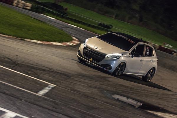 Track-day-Peugeot-208-GT-Aldeia-da-serra-curva