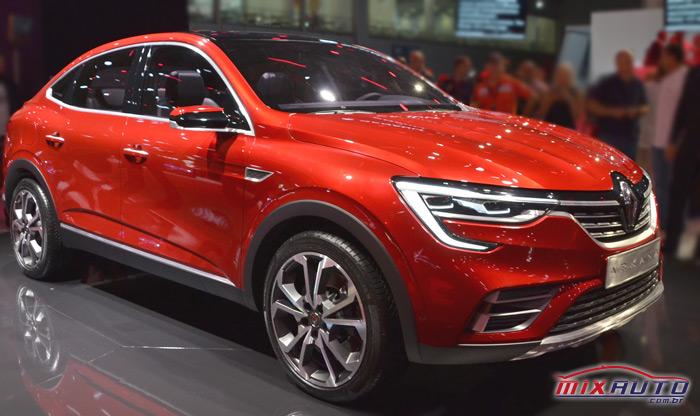Renault Arkana durante lançamento na Rússia