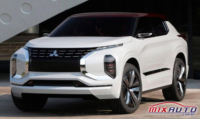 Mitsubishi Outlander 2021 branco com teto em marrom