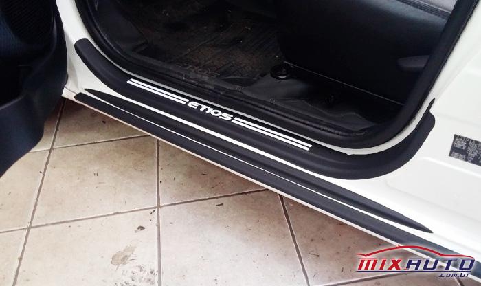 Soleira para o Toyota Raize