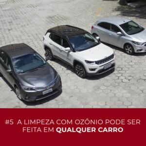 Vista superior de três carros distintos