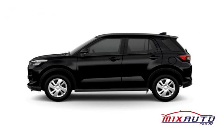Toyota Raize na cor Preta, o Primeiro SUV da marca ainda não tem novidades sobre as versões