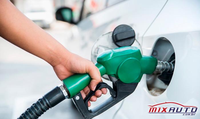 Carro não pega de manhã por problemas de combustível adulterado