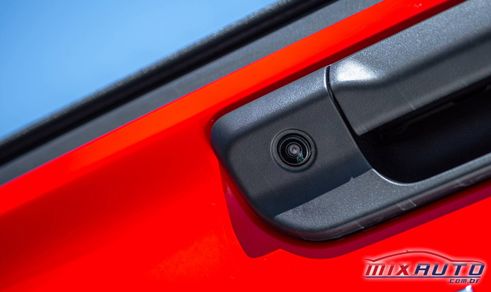 imagem de uma câmera de ré instalada na nova Fiat Strada 2021