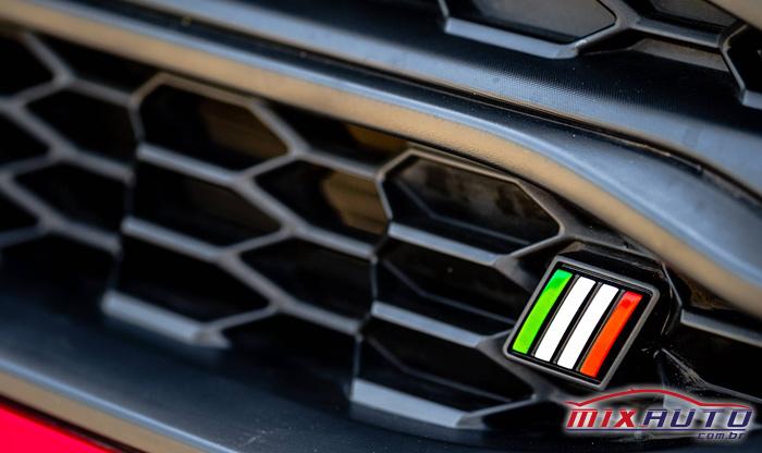 Imagem de detalhes na parte frontal da nova Fiat Strada 2021