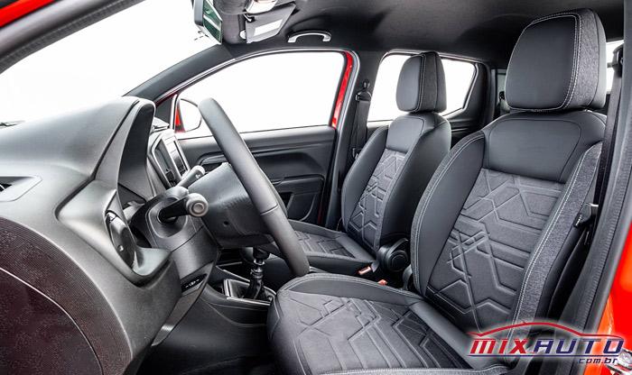 Imagem do interior da nova Fiat Strada 2021