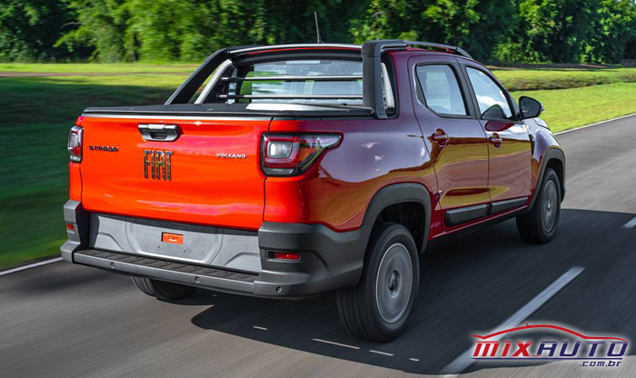 Imagem da nova Fiat Strada versão Volcano 2021