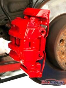 Pinças de freio vermelha como no carro 077