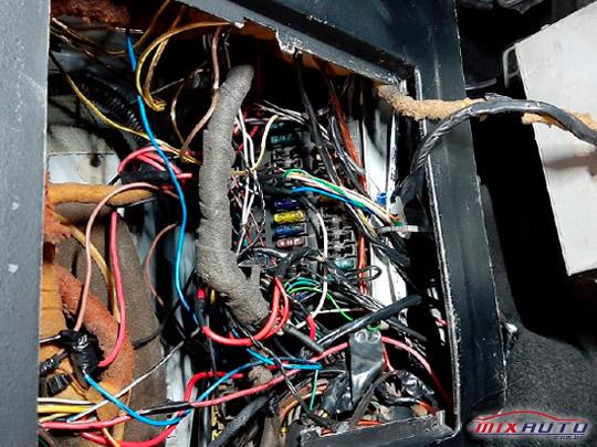 Instalação mal feita na parte elétrica da Saveiro G4 com Turbo Adaptado
