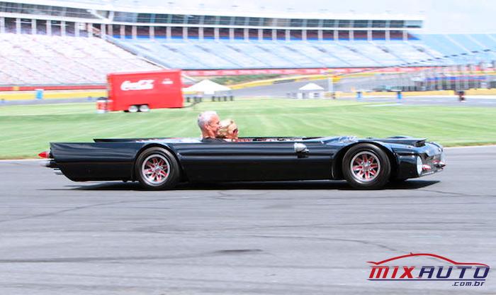 Flatmobile é o carro mais rebaixado do mundo