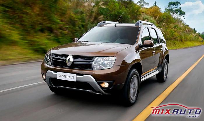 Renault Duster cor cobre na estrada