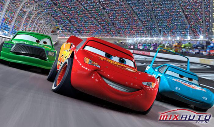 Oscar 2021: carro verde, vermelho e azul personagens do filme carros, disputando uma corrida