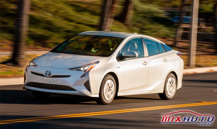 Carro sustentável Prius ECO Toyota